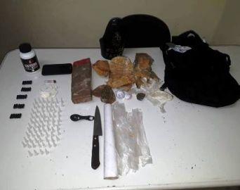 Força Tática prende dois traficantes e dois procurados pela Justiça