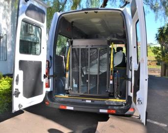 Veículo utilizado para transporte de pacientes ganha acessibilidade