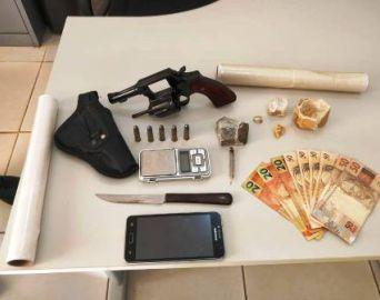 Coringa é preso por tráfico de drogas e posse de arma