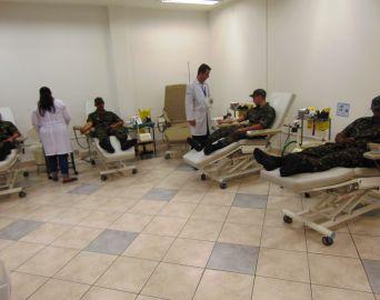 Atiradores fazem doação de sangue ao Hemocentro de Botucatu