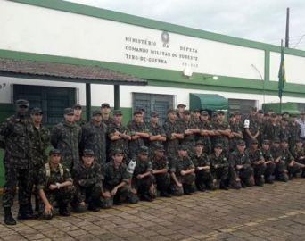 Chefe de Circunscrição Militar visita Tiro de Guerra