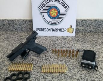 Homem é preso por tráfico internacional de arma e munições