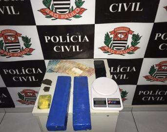 Polícia Civil prende irmãos por tráfico de drogas