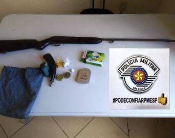 Força Tática prende dois homens por tráfico de drogas