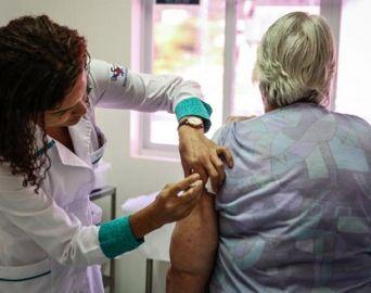 Vacina contra gripe está disponível para todo o público-alvo