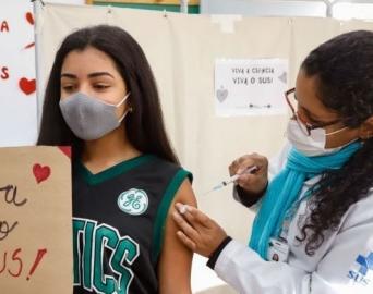Saúde intensifica vacinação contra a Covid neste sábado, 11