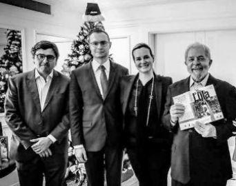 Jurista de Avaré lança novo livro ao lado de Dilma Roussef