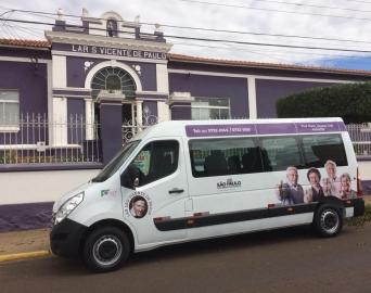 Lar São Vicente é contemplado com uma Van para transporte e passeio