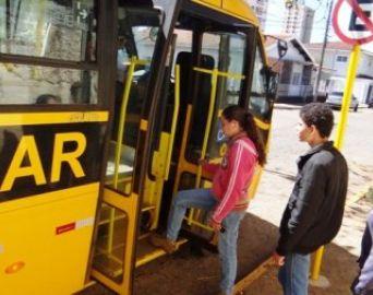 Na volta às aulas, atenção ao contratar transporte escolar