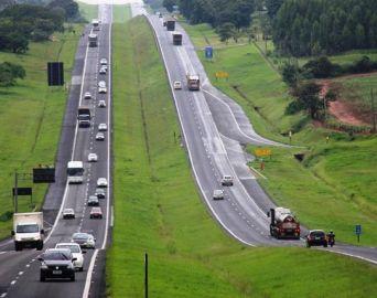 Rodovia João Mellão recebeu mais de 46 mil veículos no feriado