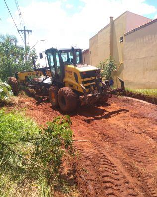 Prefeitura providencia reparos em rua da Ponta dos Cambarás