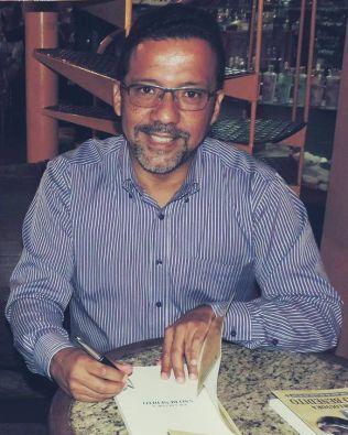 Gesiel Júnior lança hoje o seu primeiro livro de poesias