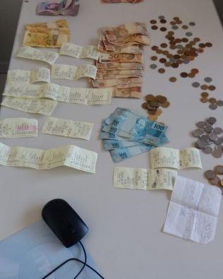 Polícia estoura banca de jogo do bicho e prende suposto contraventor